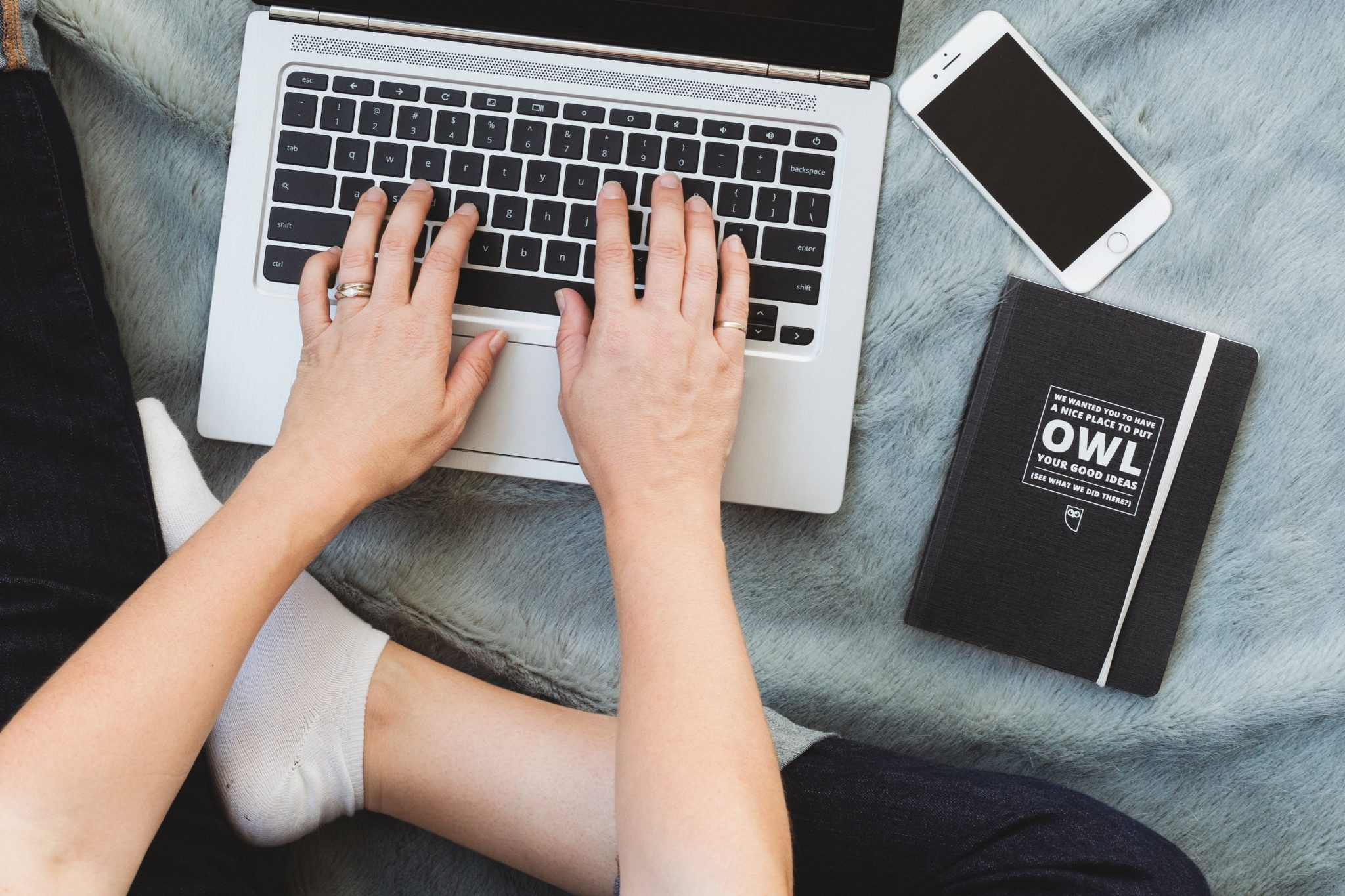 define affiliate marketing laptop