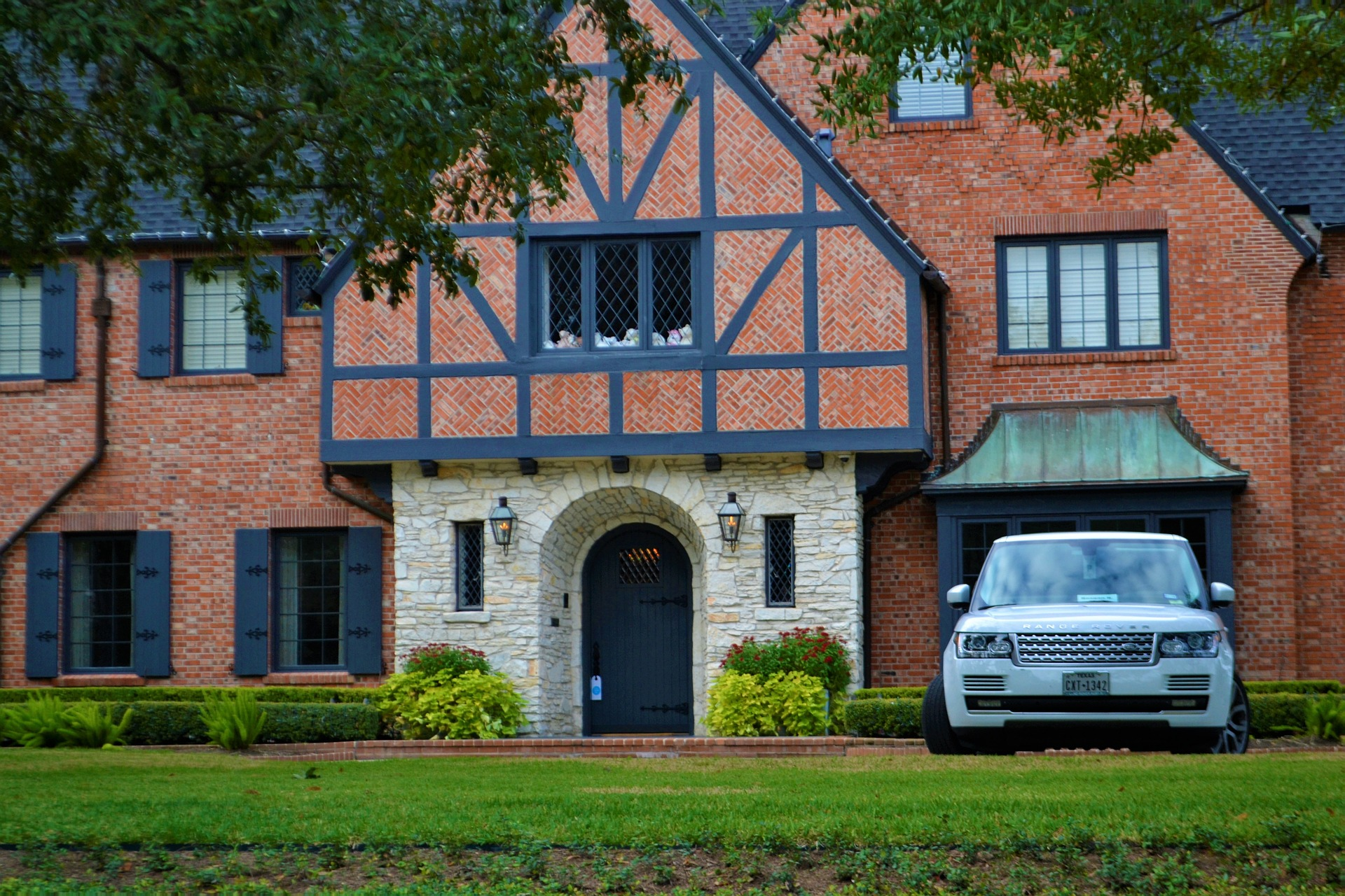 buying an investment property to rent luxury